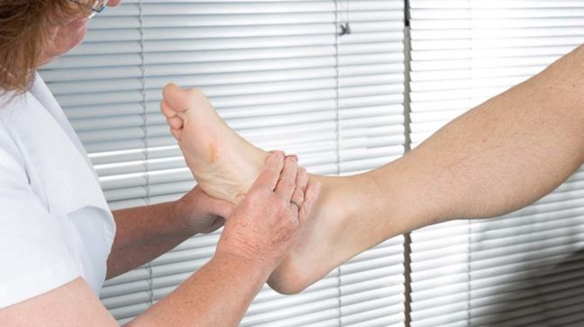 Take Care of Your Feet with The Help of Podiatrist