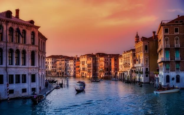 Get The Enchanting Boat Rides In Venice